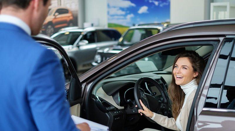 Выбрать автомобиль в автосалоне